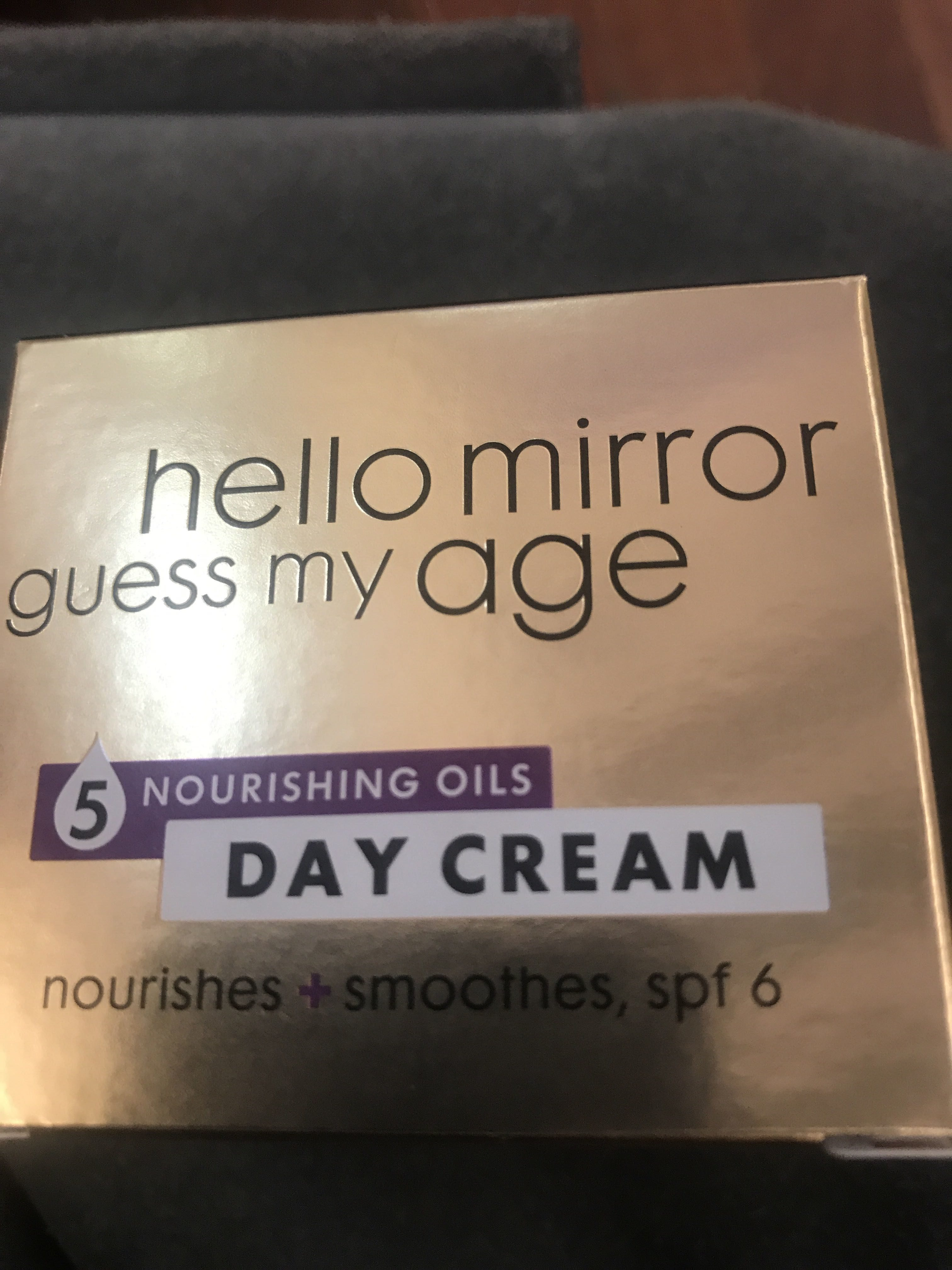 Hello Mirror guess my age - Product