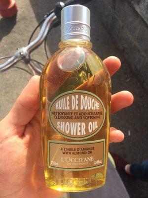 Huile de douche à l'huile d'amande - Product - fr