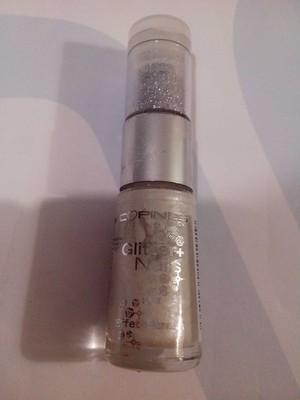 Glitter nails - 1