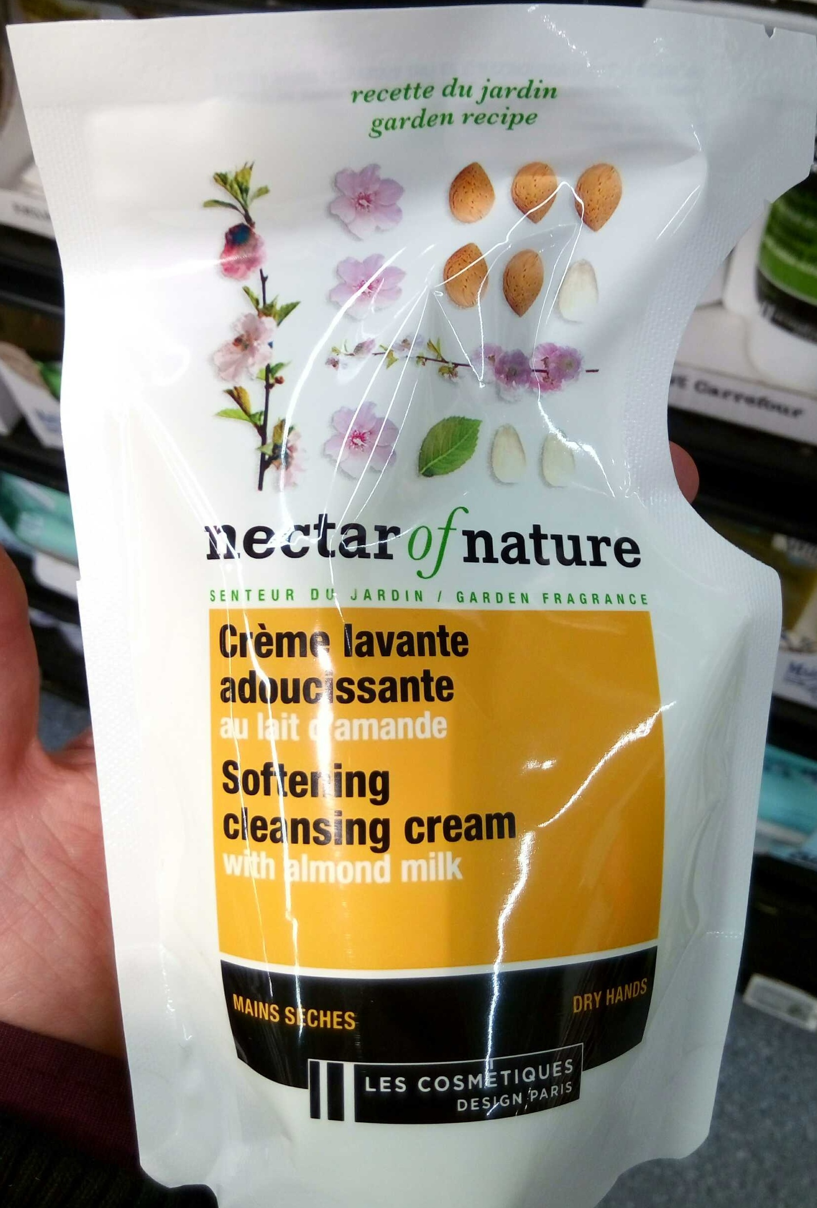 Crème lavante adoucissante au lait d'amande - Product - fr