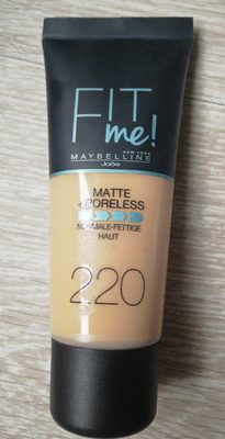 Maybelline Fit Me 220 - Product