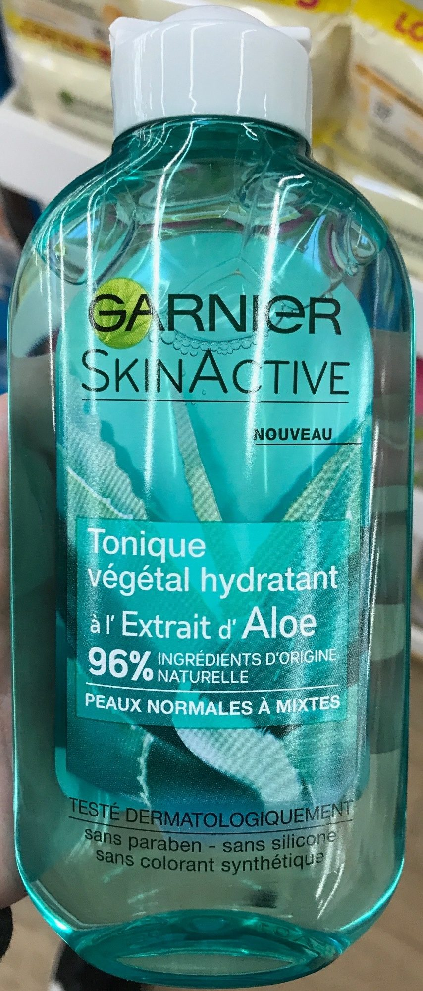 SkinActive Tonique végétal hydratant à l'extrait d'aloe - Produit