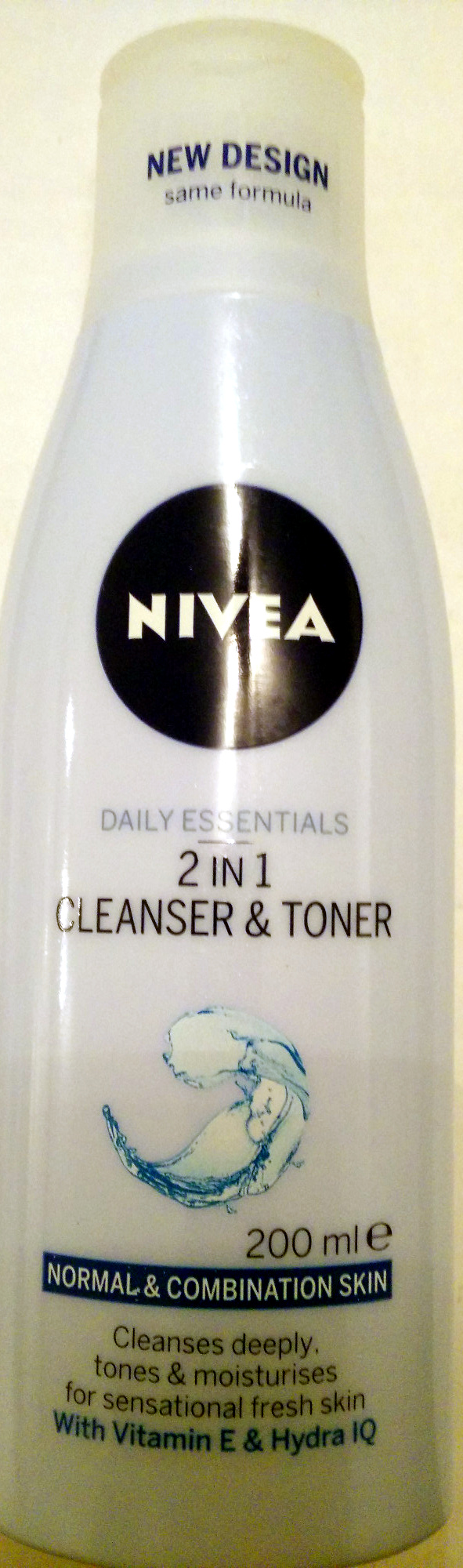 2 in 1 cleanser & toner - Product