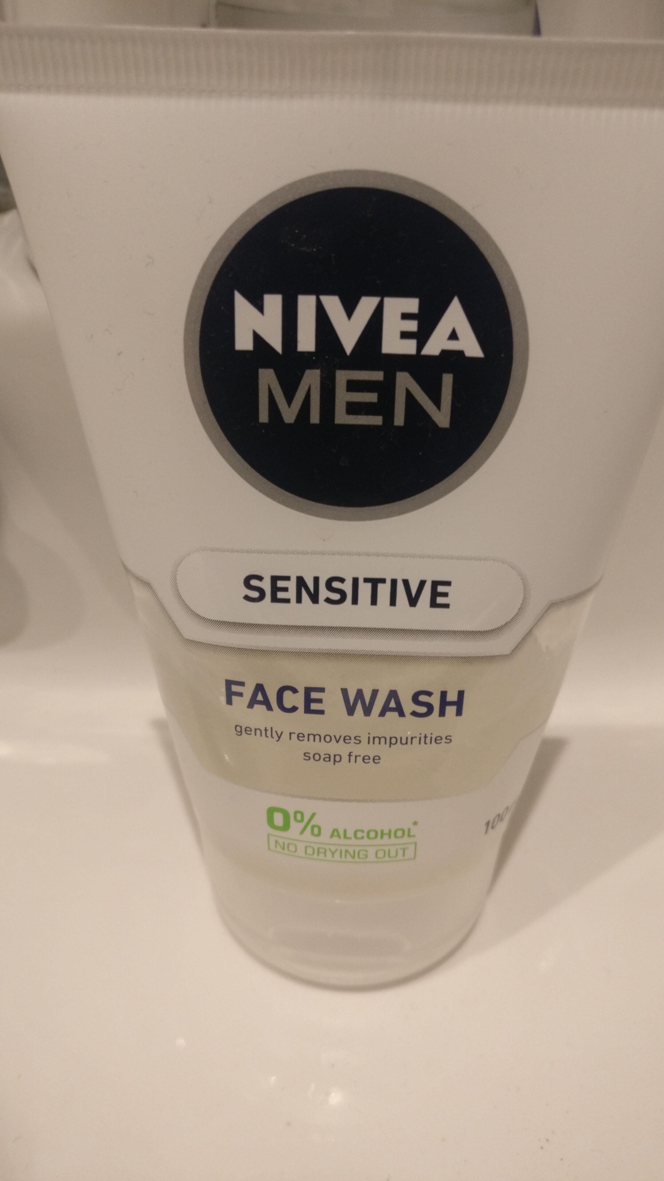 Nivea Men Sensitive Face Wash - Product - en