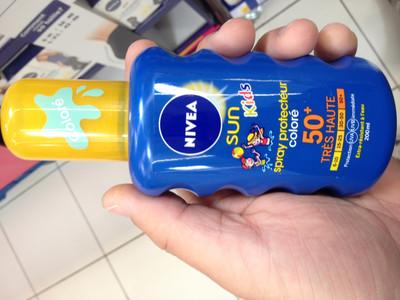 Spray protecteur coloré 50+ Sun Kids - 2