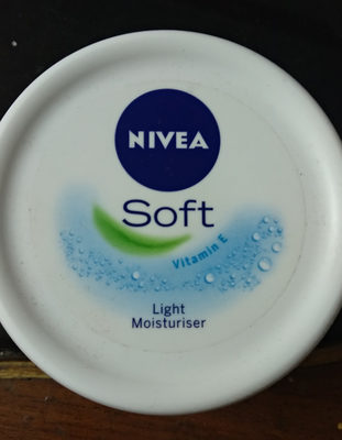 Nivea Soft Light Moisturiser - Product - en