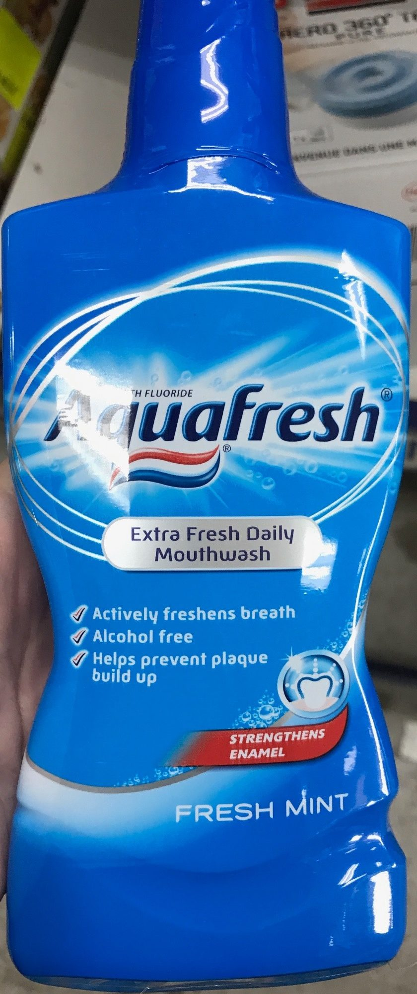 Extra Fresh Daily Mouthwash Fresh Mint - Produit