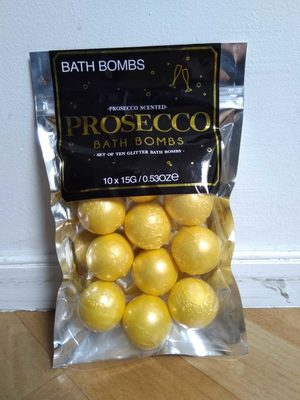 Prosecco Bath Bombs - Product